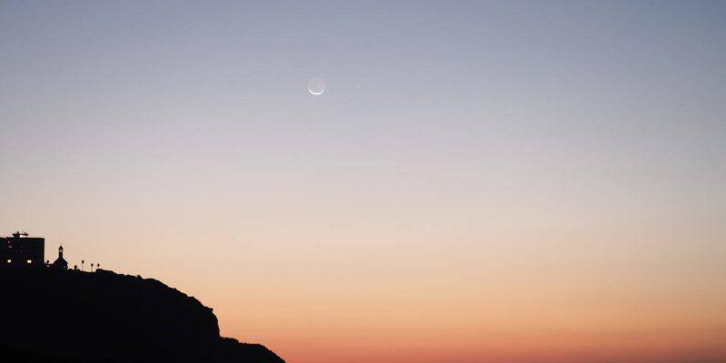 ドイツメルヘンと地球照の極細月と水星
